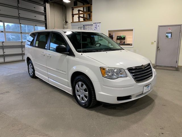 White Chrysler Town and Country image number 4