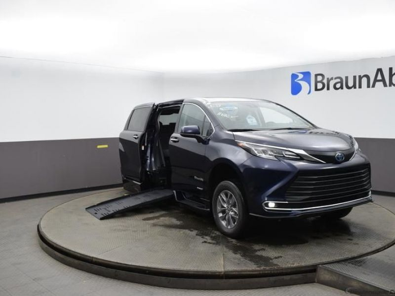 Blue Toyota Sienna with Side Entry Automatic Fold Out ramp
