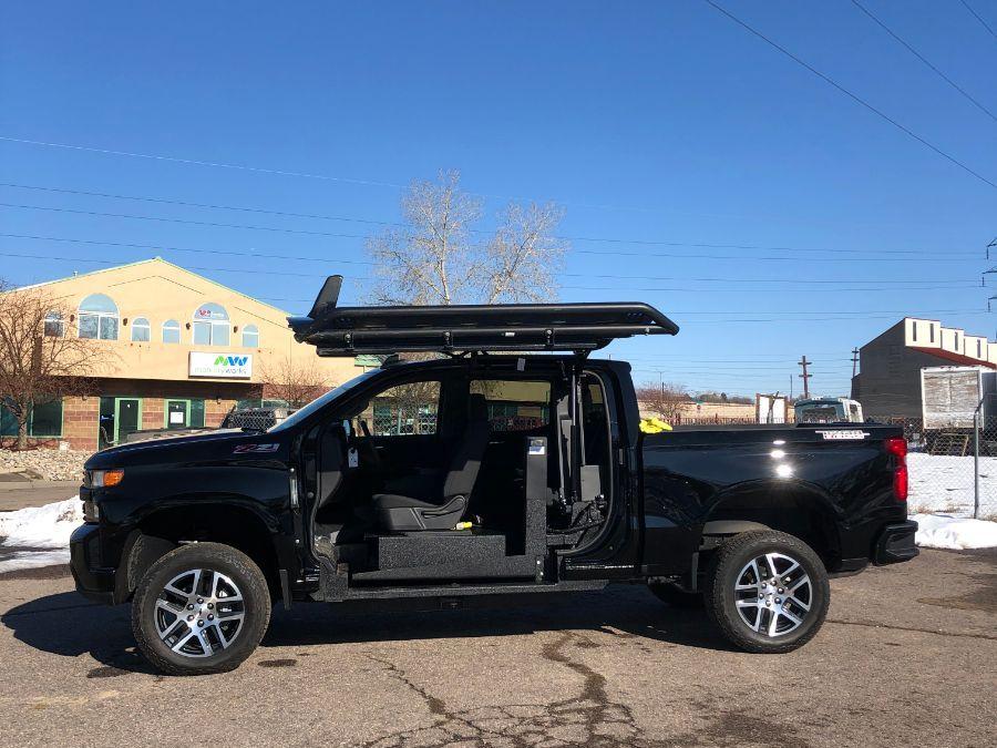 Black Chevrolet Silverado 1500 image number 15