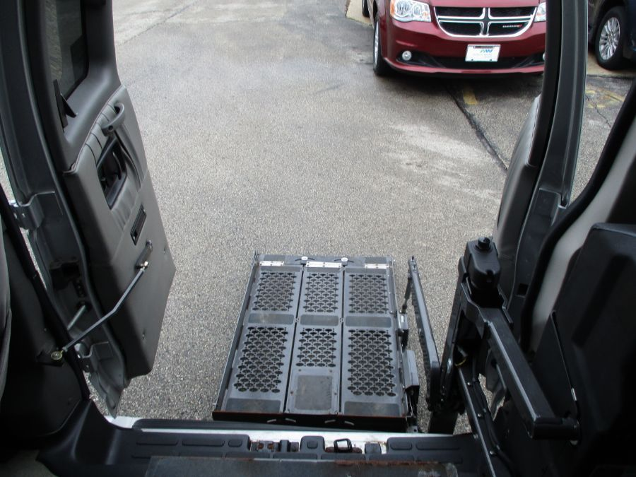 Silver Chevrolet Express Cargo image number 13