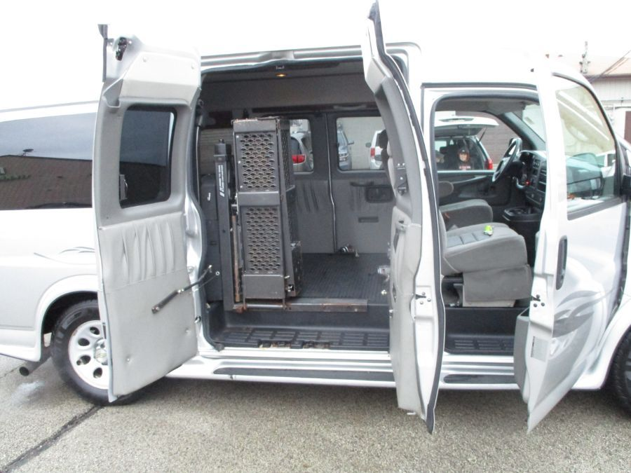 Silver Chevrolet Express Cargo image number 18