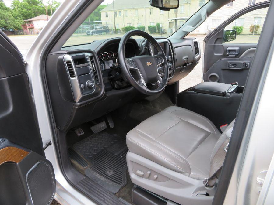 Silver Chevrolet Silverado 1500 image number 10
