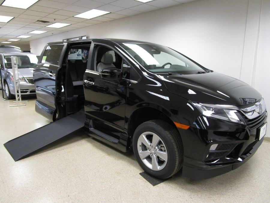 Black Honda Odyssey with Side Entry Automatic In Floor ramp