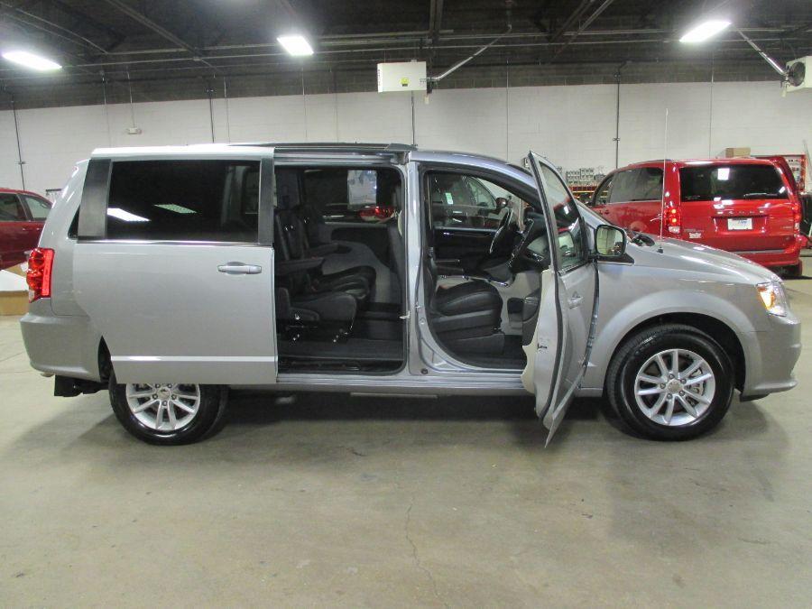 Silver Dodge Grand Caravan image number 6