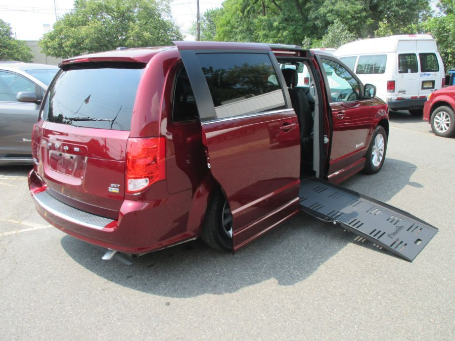Red Dodge Grand Caravan image number 21