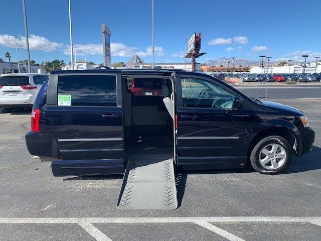 Dodge Grand Caravan with Side Entry Automatic Fold Out ramp