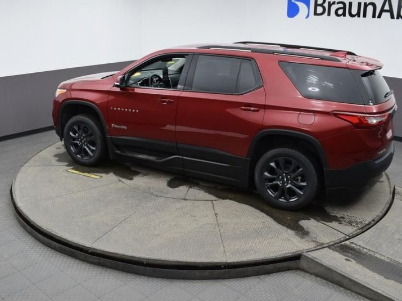 Red Chevrolet Traverse image number 22