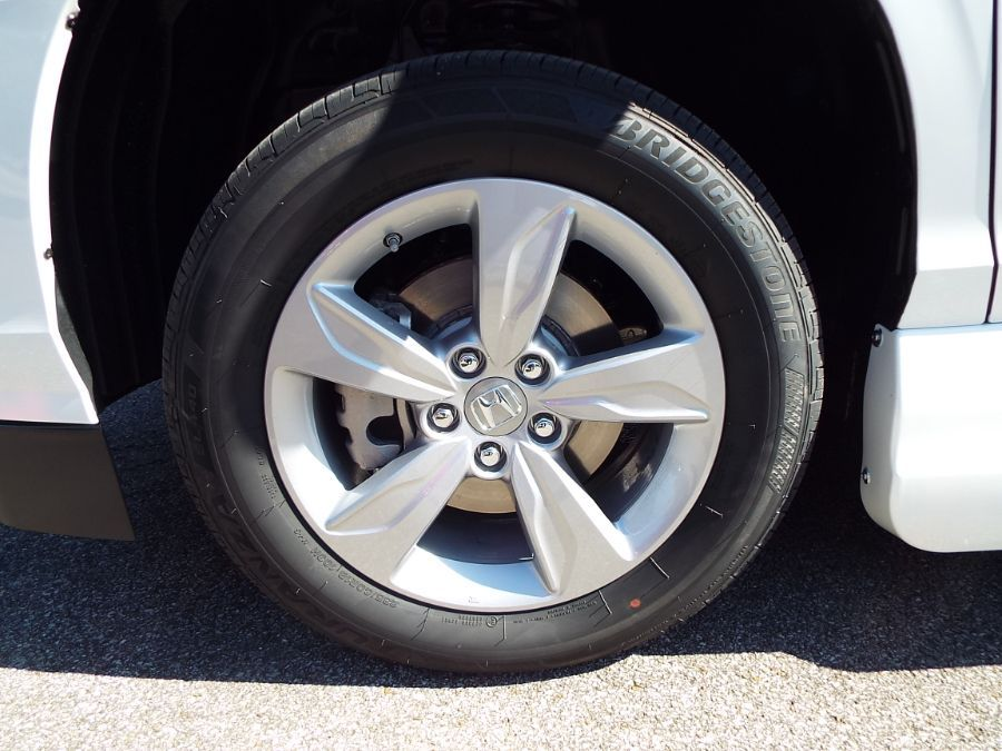 White Honda Odyssey image number 30