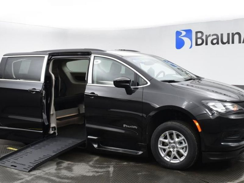 Black Chrysler Voyager with Side Entry Automatic Fold Out ramp