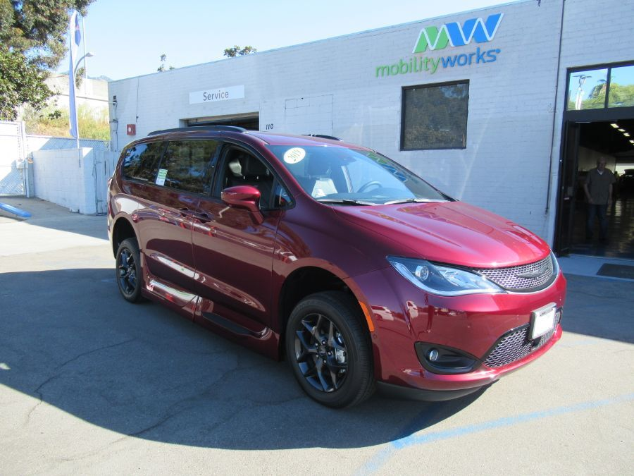 Red Chrysler Pacifica image number 20