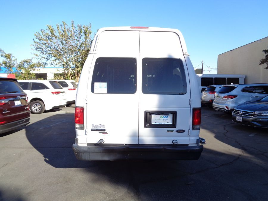 White Ford E-Series Cargo image number 13