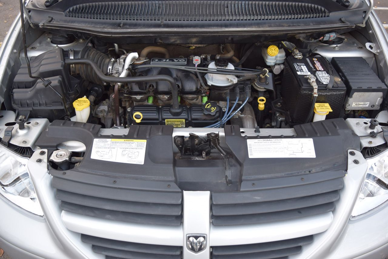 Pre-Owned 2005 Dodge Grand Caravan SE