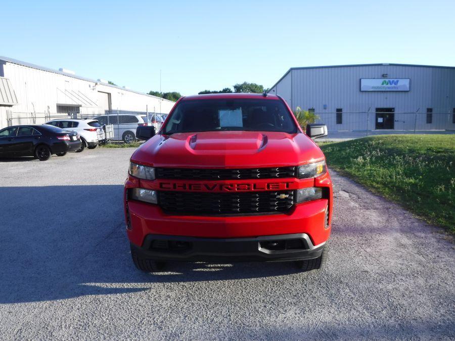 Red Chevrolet Silverado 1500 image number 2