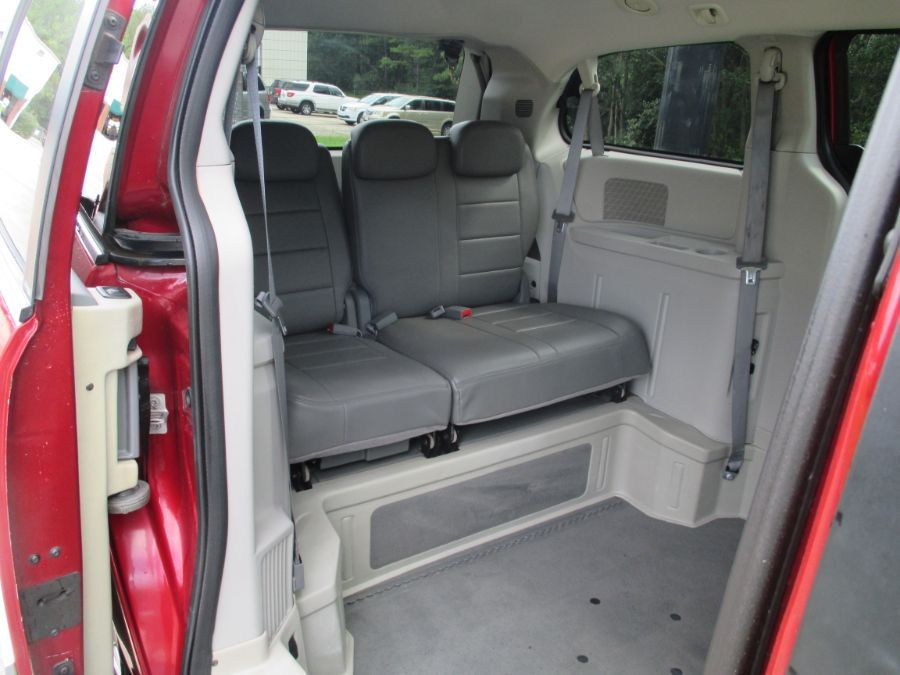 Red Chrysler Town and Country image number 16
