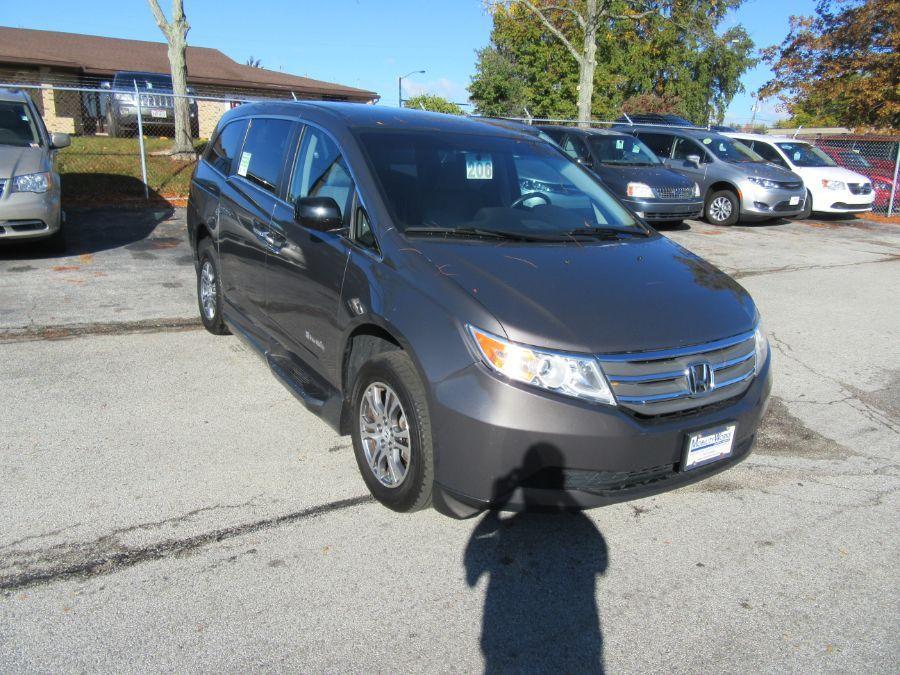 Brown Honda Odyssey image number 5