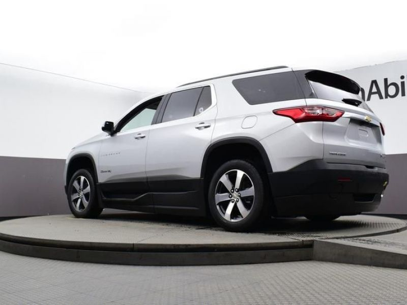 Silver Chevrolet Traverse image number 23
