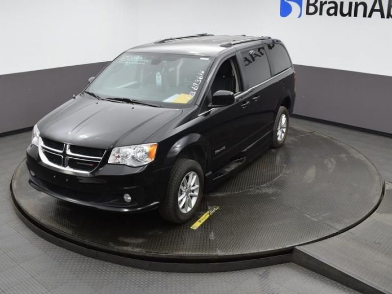 Black Dodge Grand Caravan image number 23