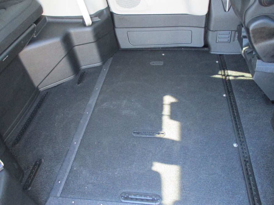 Gray Chrysler Pacifica image number 10