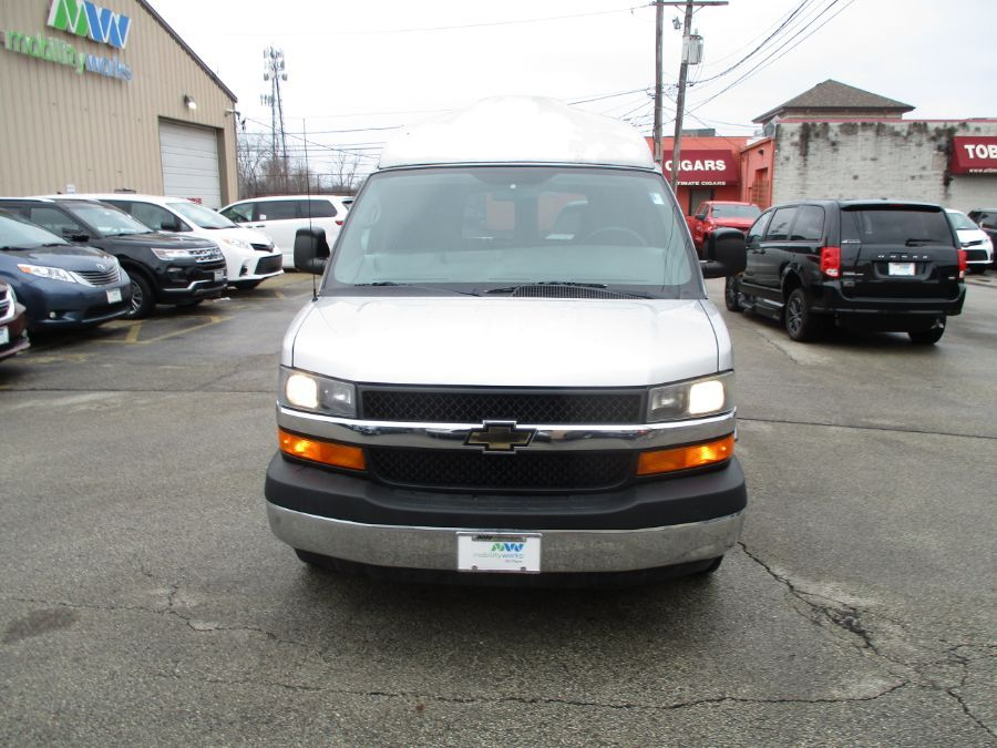 Silver Chevrolet Express Cargo image number 29