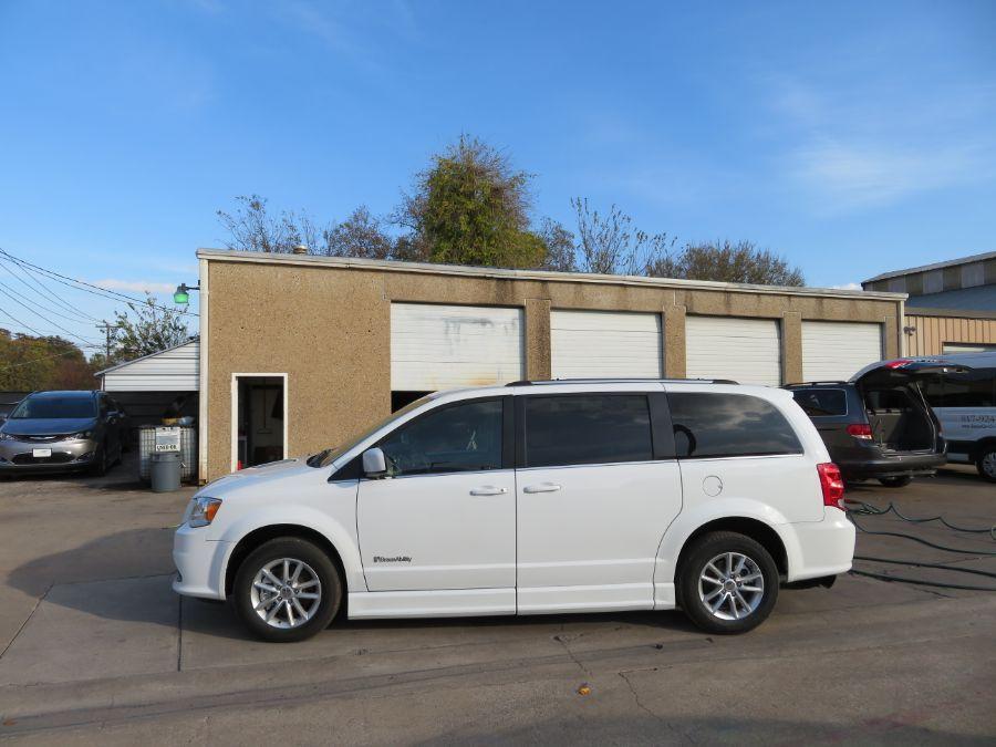 White Dodge Grand Caravan image number 3