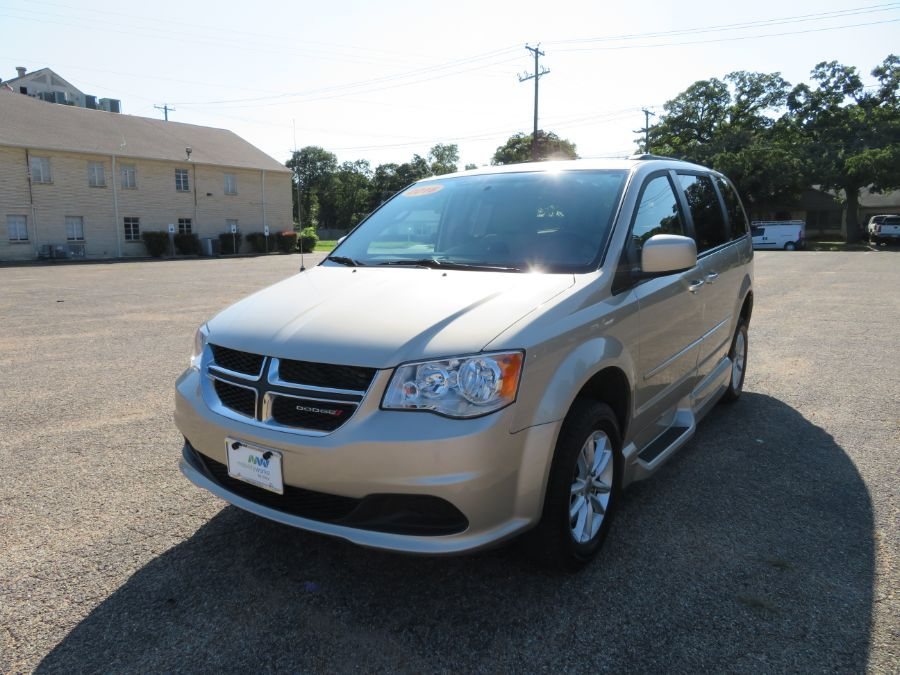 Brown Dodge Grand Caravan image number 8