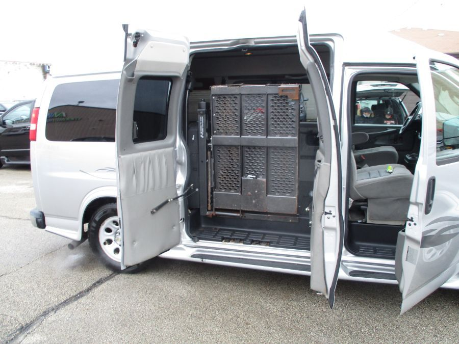 Silver Chevrolet Express Cargo image number 17