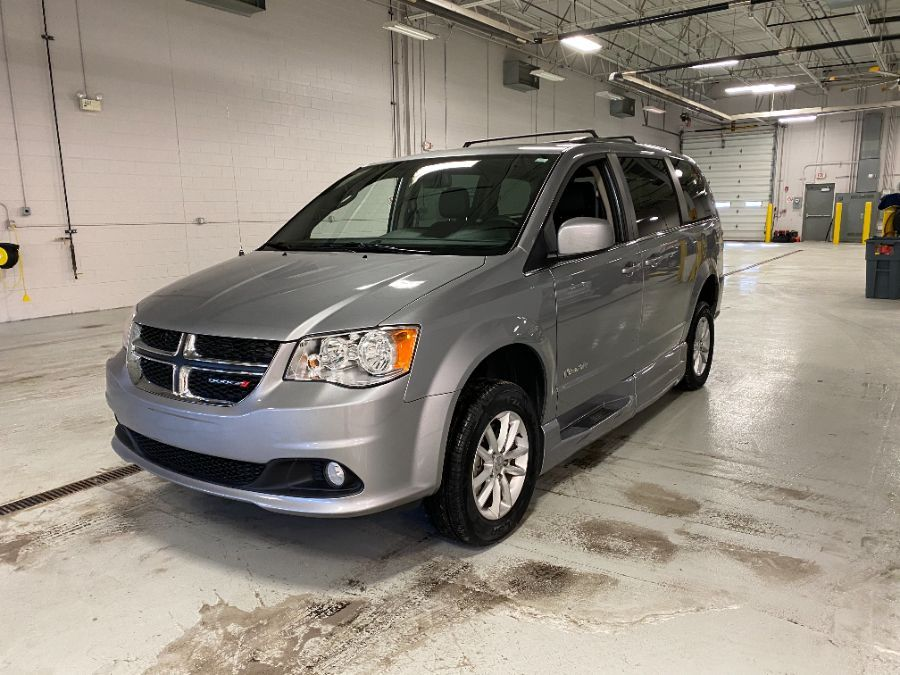 Silver Dodge Grand Caravan image number 8