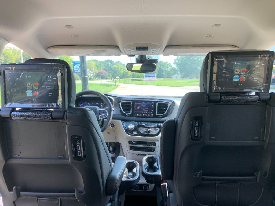 Wheelchair Van - New 2020 Chrysler Pacifica LR232476