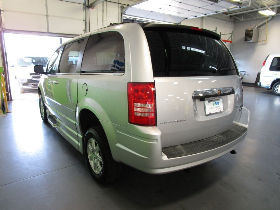Silver Chrysler Town and Country image number 5