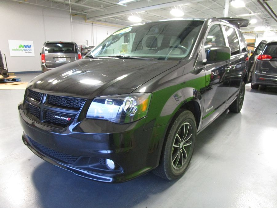 Black Dodge Grand Caravan image number 5