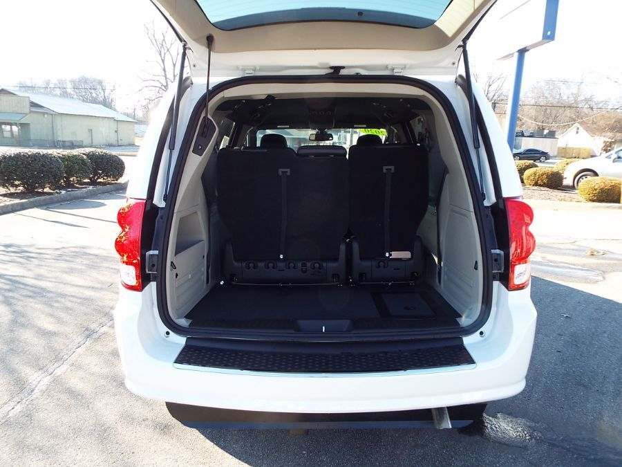 White Dodge Grand Caravan image number 9