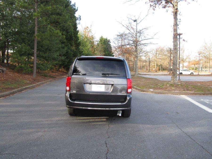 Gray Dodge Grand Caravan image number 5