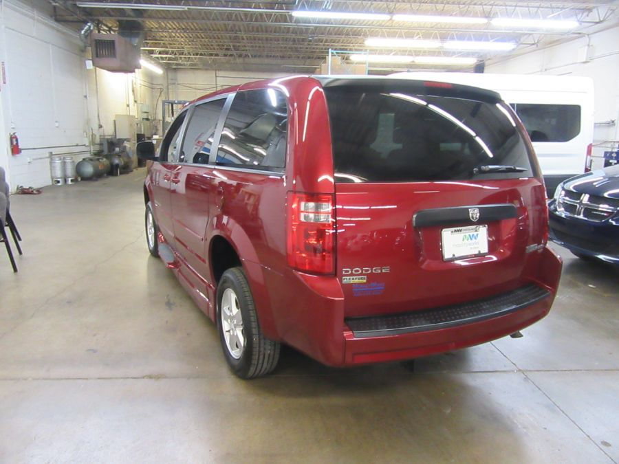 Red Dodge Grand Caravan image number 3