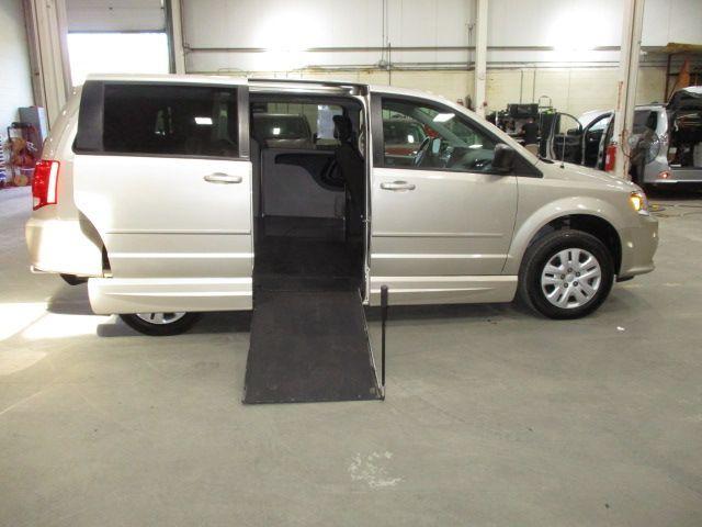 Gold Dodge Grand Caravan image number 7