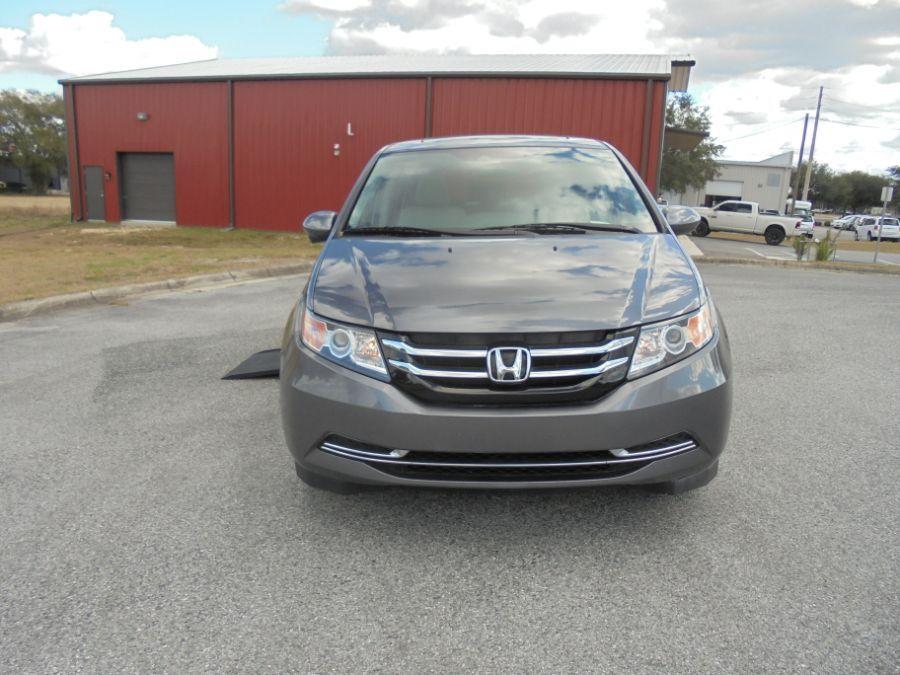 Gray Honda Odyssey image number 15
