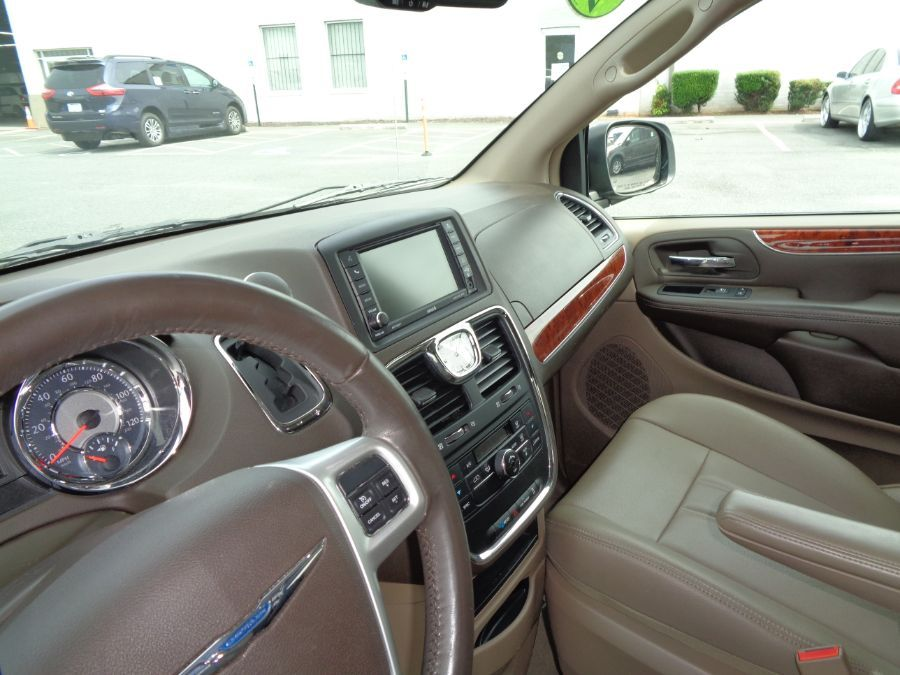 Blue Chrysler Town and Country image number 11