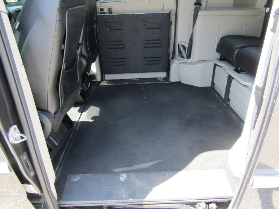 Gray Chrysler Town and Country image number 9
