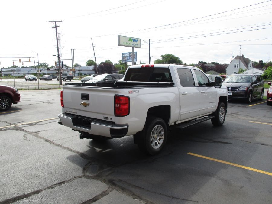 White Chevrolet Silverado 1500 image number 5