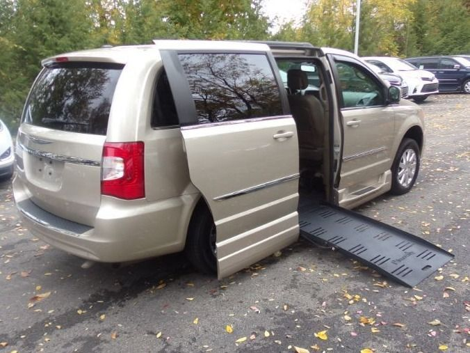 Gold Chrysler Town and Country image number 7