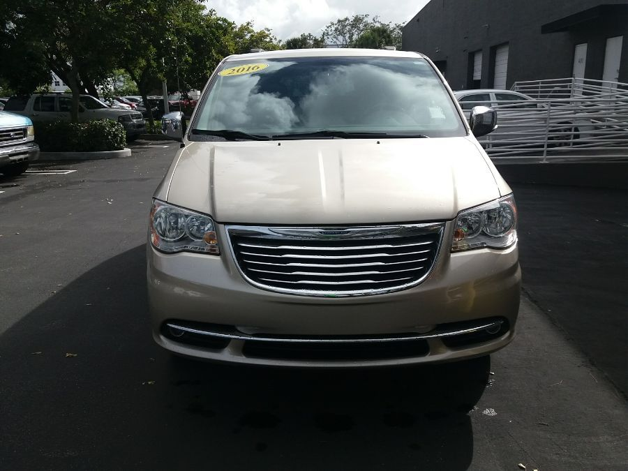 Gold Chrysler Town and Country image number 16