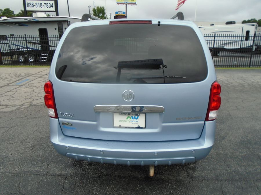 Blue Buick Terraza image number 10