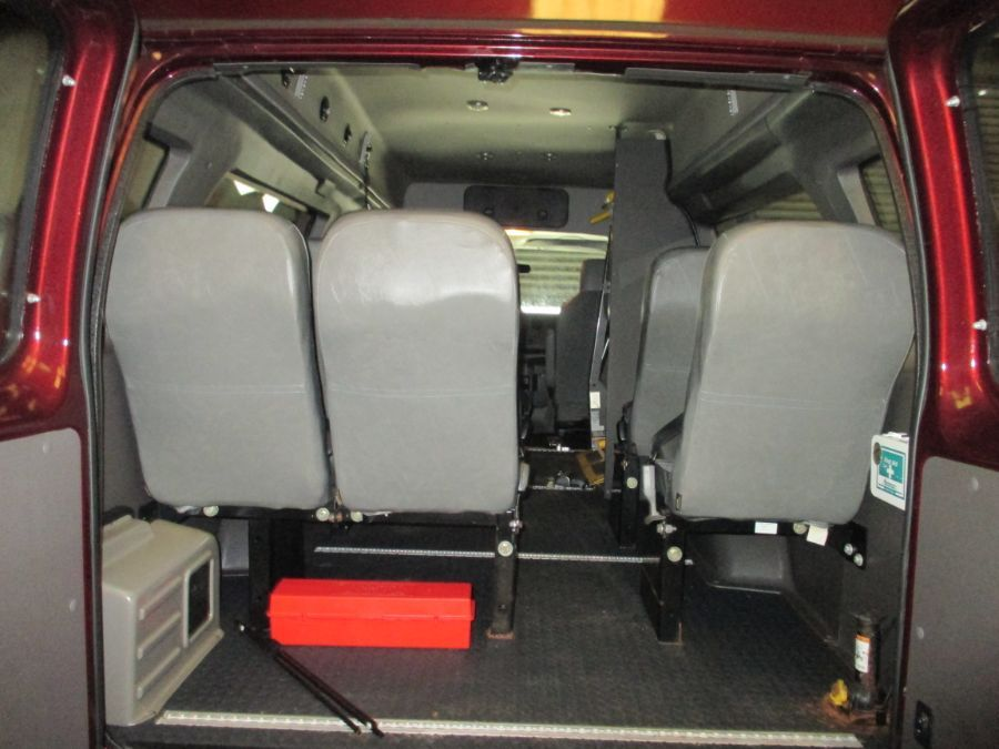 Red Ford E-Series Cargo image number 7