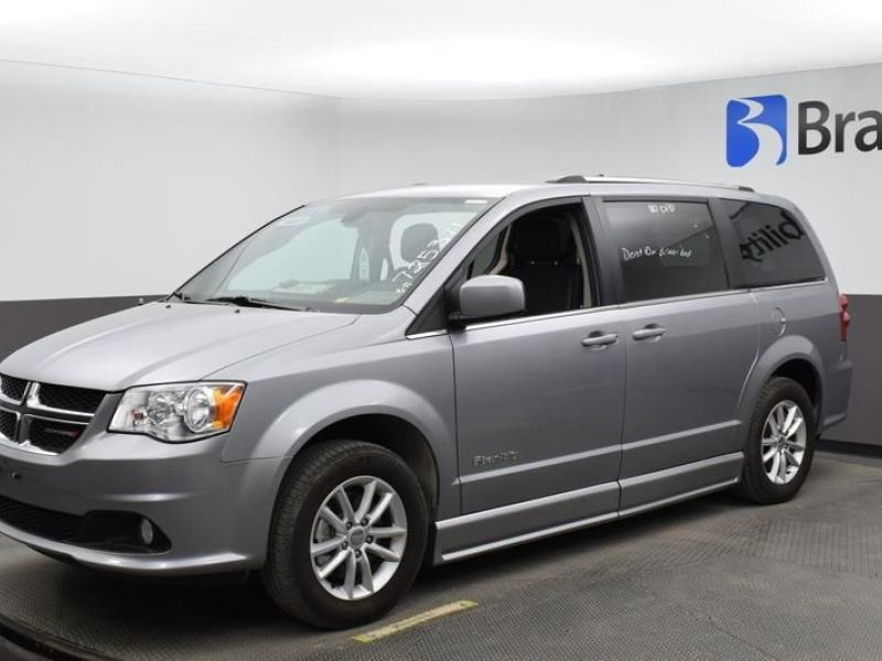 Silver Dodge Grand Caravan image number 2