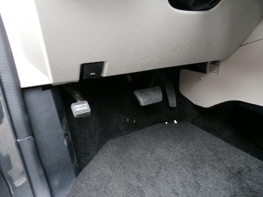 Gray Dodge Grand Caravan image number 24