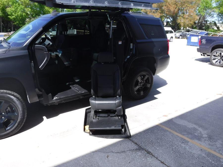 Black Chevrolet Tahoe image number 10