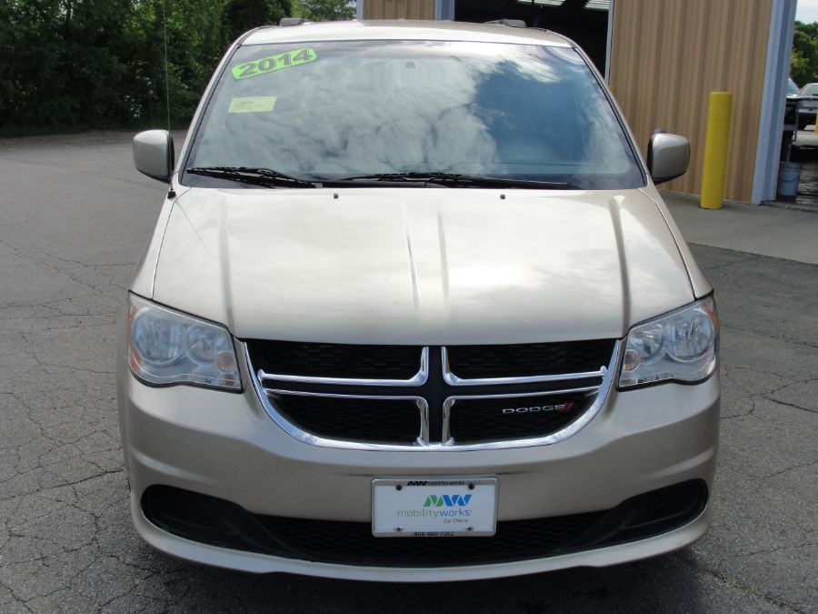 Brown Dodge Grand Caravan image number 2