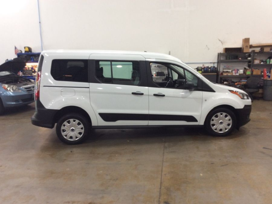 White Ford Transit Connect image number 7