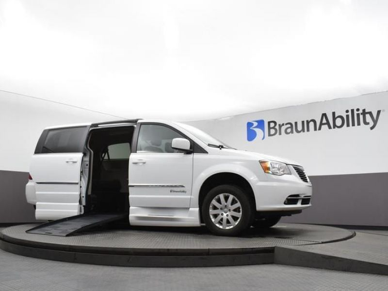 White Chrysler Town and Country image number 2