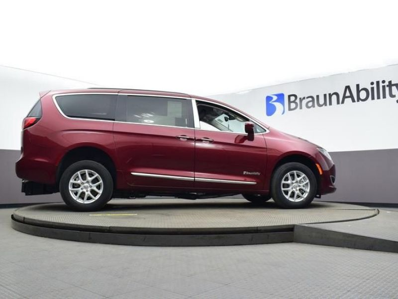 Red Chrysler Pacifica image number 9