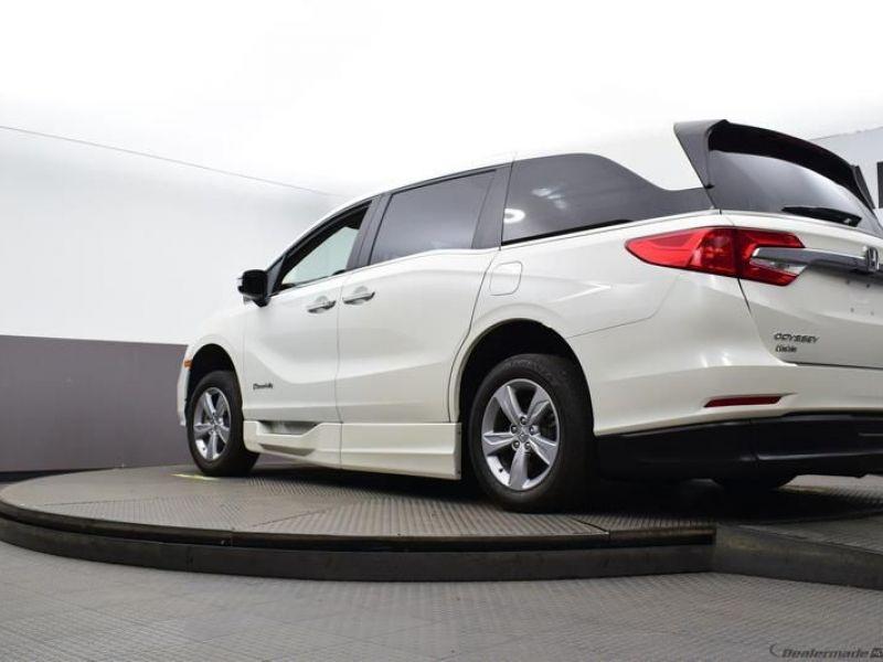 Honda Odyssey image number 17